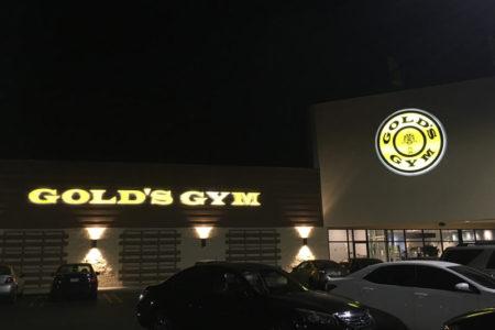 golds gym anaheim