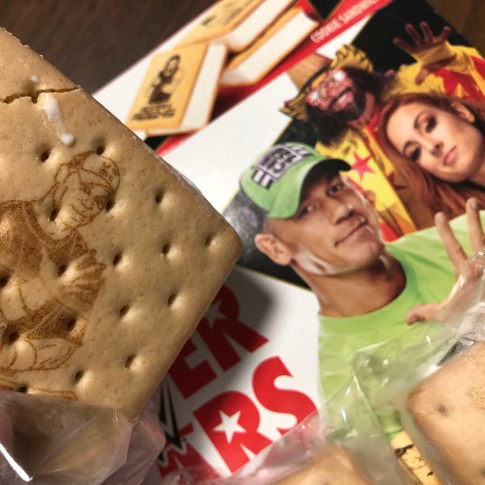 WWE Superstars Cookie Sandwich
