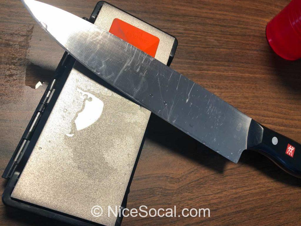 ナイフのスクラッチ